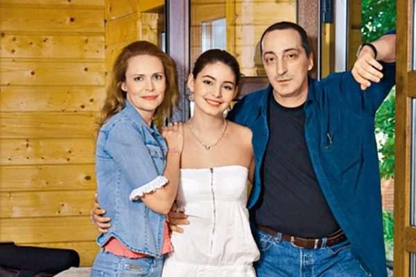 Актриса Мария Казакова: дочь Алены Яковлевой, биография