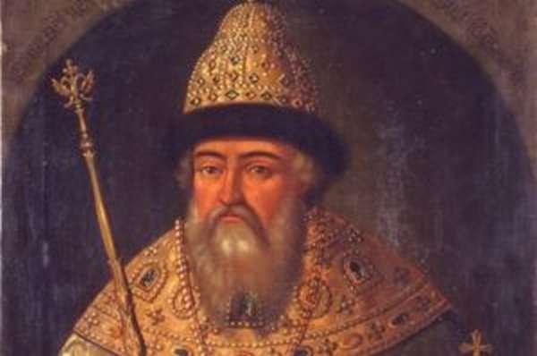 Наиболее удачливый представитель дома князей Шуйских Василий Иванович все-таки взял желанную шапку Мономаха, которая, однако, вскоре, словно по щучьему велению, превратилась - в монашеский клобук!