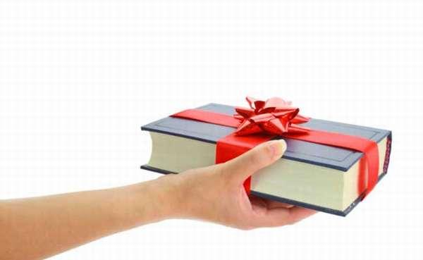 Идеи подарков что подарить бабушке на Новый год 2018