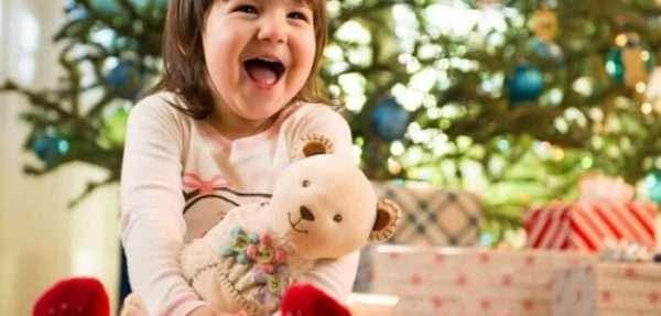 Что подарить сестре на Новый год 2018: недорогие и оригинальные подарки