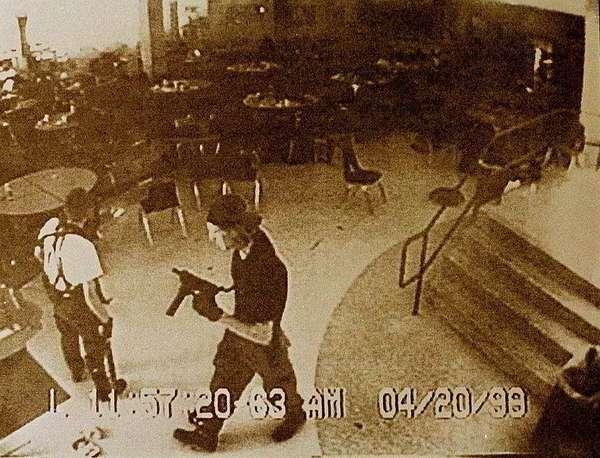 Перемена для мучителя. Массовое убийство в школе Колумбайна