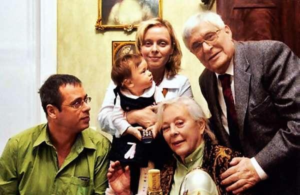 Биография Олега Басилашвили: семья, роли в кино, политические взгляды