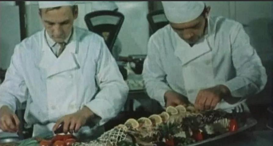 Корейко в юбке. Жизнь советской миллионерши Беллы Бородкиной (Железная Белла)
