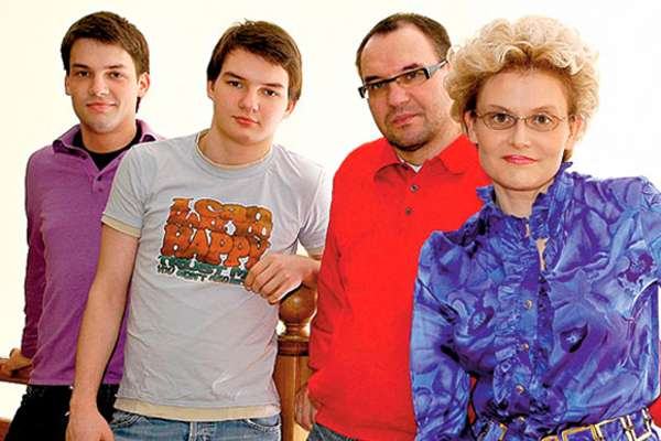 Биография Елены Малышевой: семья, муж, курьезы на работе