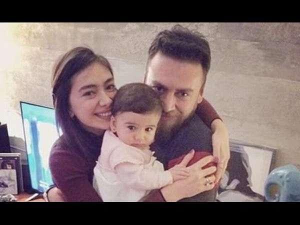 Неслихан Атагюль с семьей: братом и племянницей