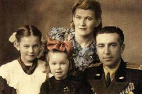 Наталья Гвоздикова: биография, личная жизнь, двойная жизнь неверного мужа