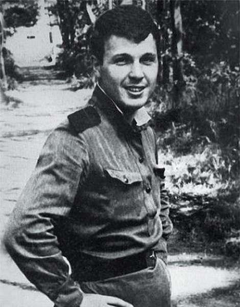 Армейские годы Льва Лещенко фото