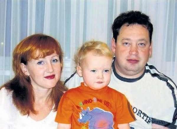 Слуцкий с женой и сыном совместное фото