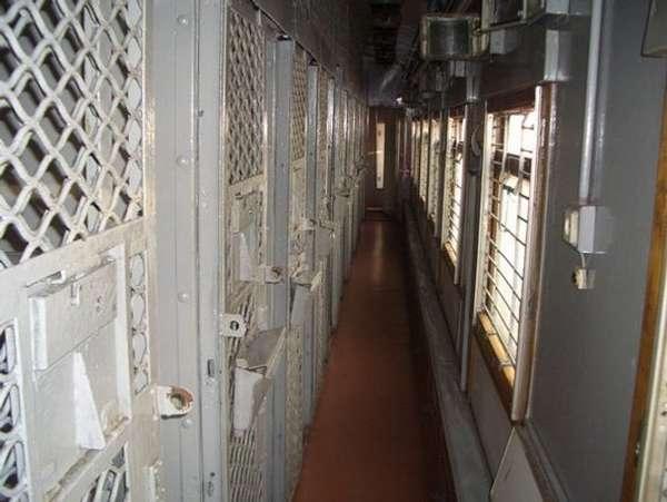 Столыпинский вагон, или как этапируют заключенных в колонии.