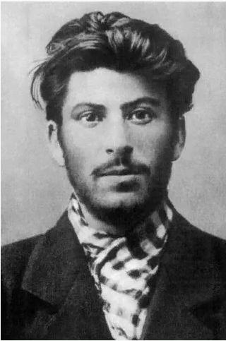 Кто более жестокий: Гитлер или Сталин