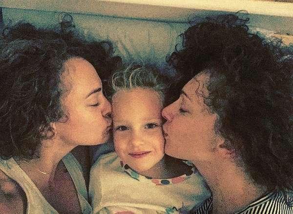 Ксения Раппопорт с дочерьми фото