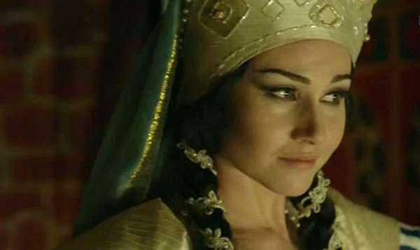 Алина Сергеева. Кадр из фильма Наследие (2014 год)
