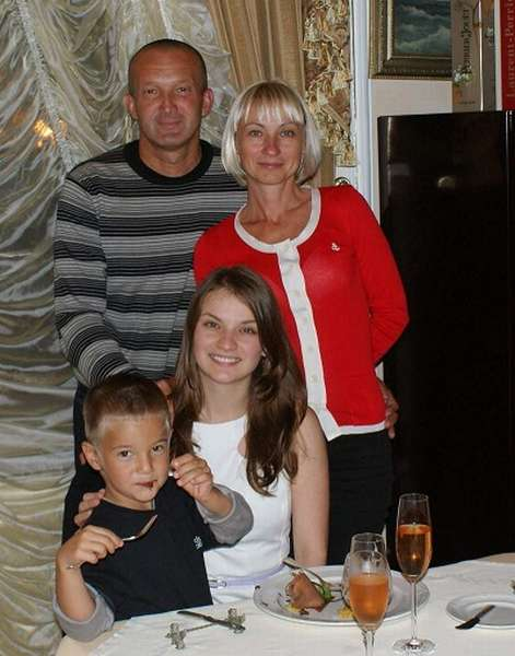 Roman Grigorchuk с семьей совместное фото