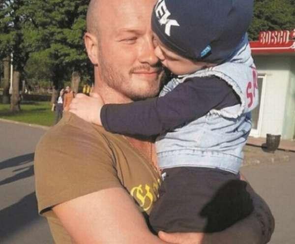 Никита Панфилов с сыном фото