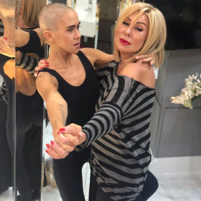 Устроившие жаркий поцелуй Успенская и Кудрявцева вызвали оторопь на дне рождения Дубцовой Удалите, противно смотреть