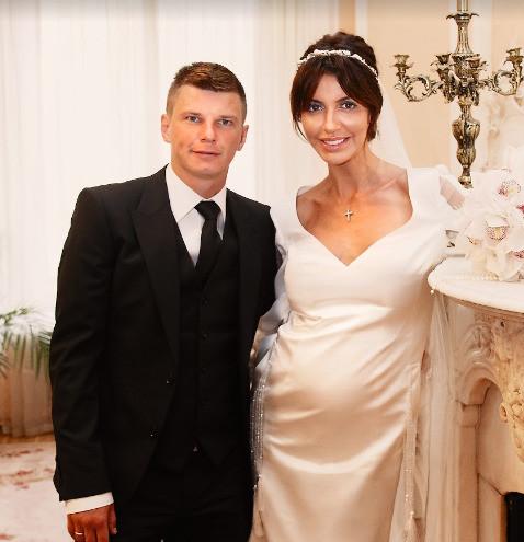 Алиса Аршавина рассказала почему футболист ужасный семьянин: «37-летний пацан без здравого ума»