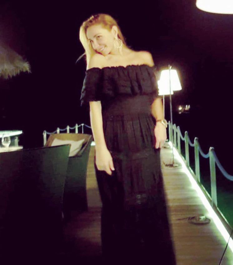 Неудачный наряд сделал располневшую Татьяну Навку беременной фото