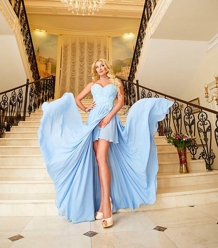 Отец дочери Волочковой шикует на заработанные балериной деньги, содержит баб, а возвращать отказывается