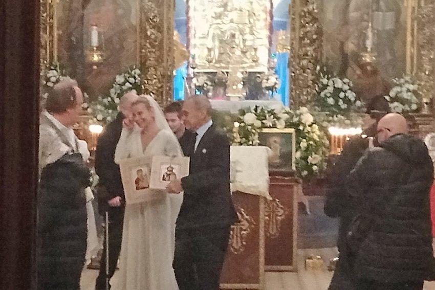 Ему 81, ей 45, исключительное для пары место и растроганная событием Юлия Высоцкая: как проходило венчание Андрея Кончаловского в псковском соборе. Фото