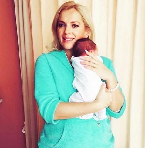 Мария Порошина показала долгожданного сына. У актрисы уже есть четыре дочери