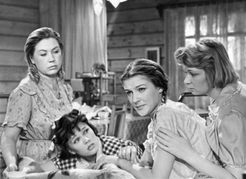 Звезда фильма Девчата потеряла рассудок и видит призраки умерших родственников