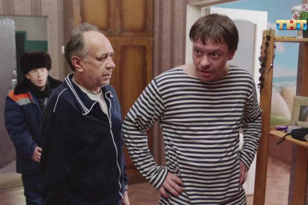 Пчела из «Бригады», который назвал сериал преступлением против России, поставил под сомнение таланты коллег: Хорошие актеры уже умерли или собираются умереть