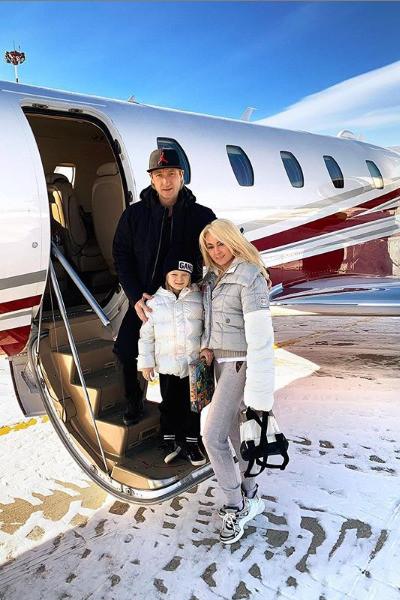Роскошный отдых Яны Рудковской в Куршевеле самолет за 2 млн и икра на завтрак. Продюсер не выдержала пристального внимания с своим деньгам