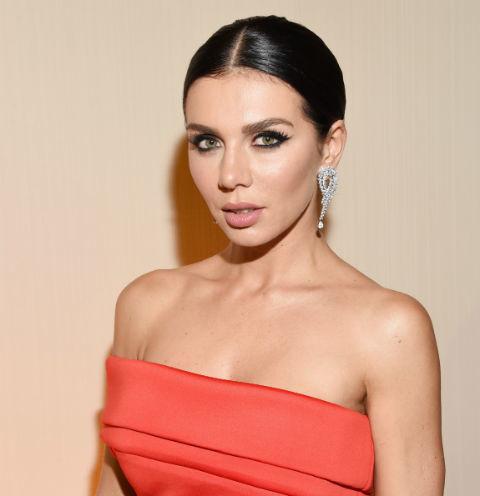 Анна Седокова снимает последнее, чтобы расплатиться за ипотеку певица рискует остаться без денег и жилья