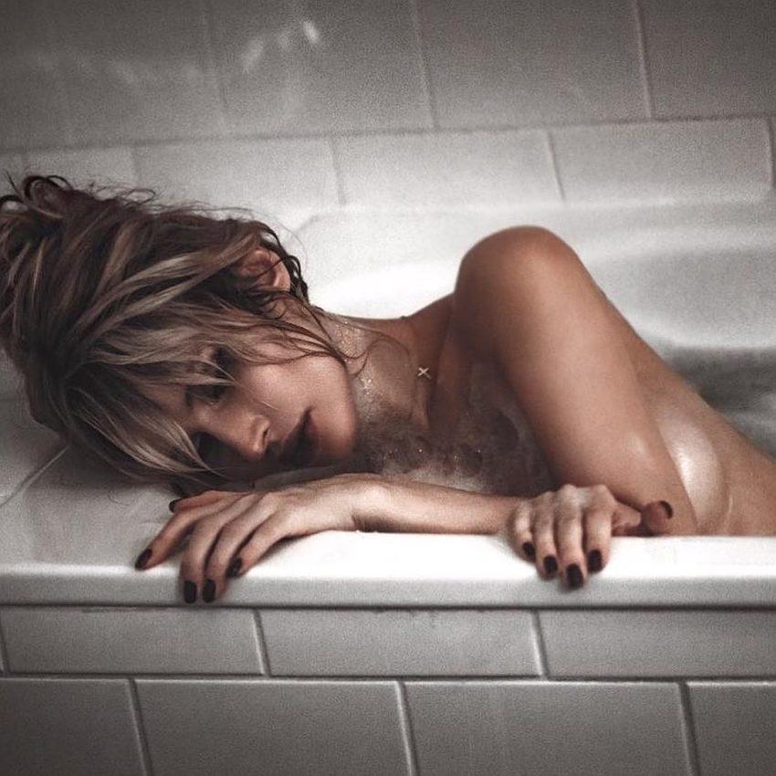 Хоть бы силикон не лопнул Лобода подогрела Сеть пикантным фото в ванне