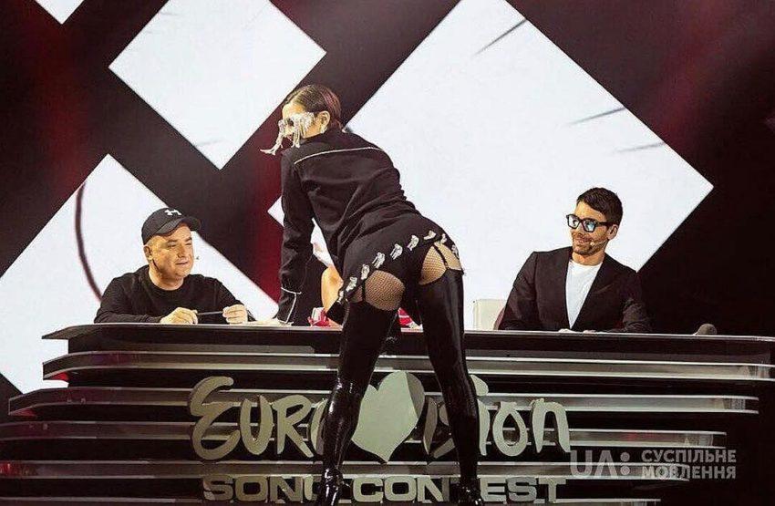 Униженная Украиной певица взмолилась о помощи неугодную исполнительницу вытравливают из Евровидения за активное посещение России