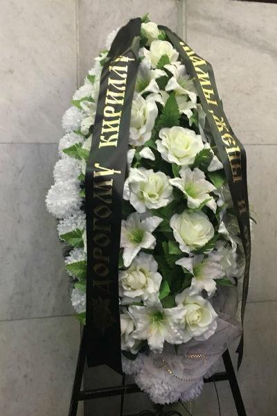 Александр Толмацкий расплакался у гроба и просил прощения, сын Тони едва сдерживал эмоции и сотни поклонников как в Москве прощались с Децлом