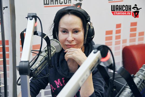 Звезда 90-х певица Анастасия пойдет под венец седьмой раз