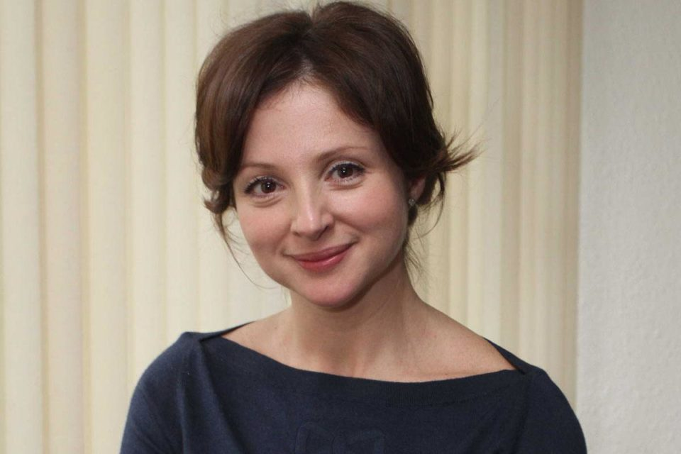 Ребенок спит в необорудованной комнате актриса Анна Банщикова показала, в каких условиях живет
