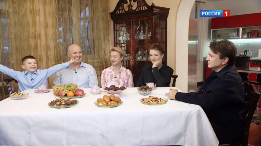 Известному юмористу Николаю Лукинскому сейчас не до смеха судьба забрала жизни сразу нескольких членов семьи
