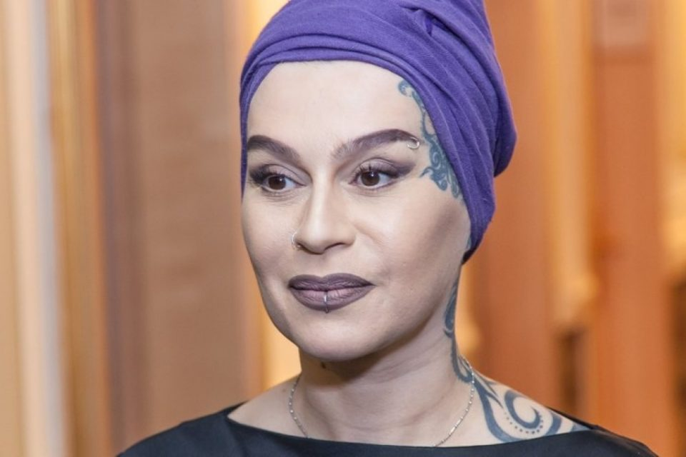 Наргиз в ярости набросилась на Первый канал: «Оставьте меня и мою семью в покое»