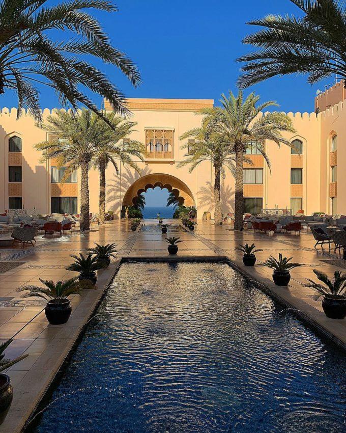 Не хватает евнуха с опахалом роскошный отдых Леры Кудрявцевой во дворце арабского султана