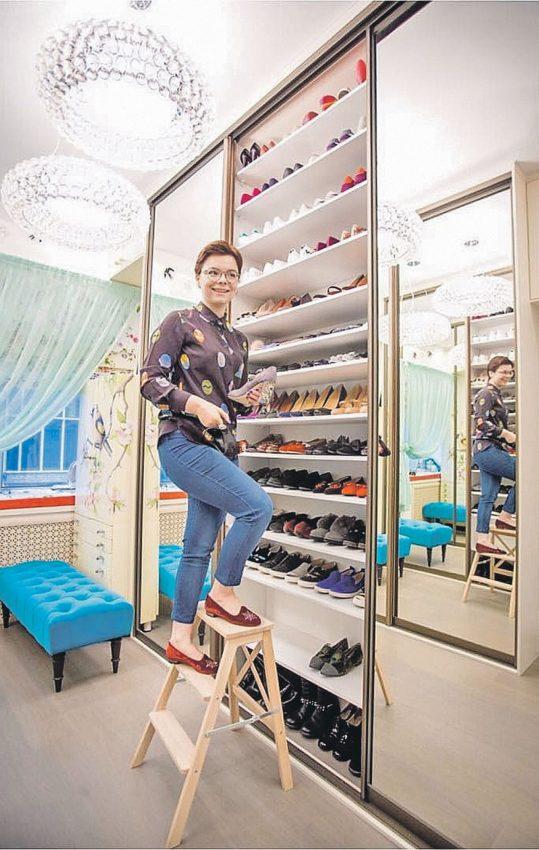 30 сумок, 24 пары сапог, 40 пар туфелек любовница Петросяна показала свое богатство и гардероб заодно